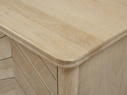 Bootleg drinks cabinet oak wood top detail
