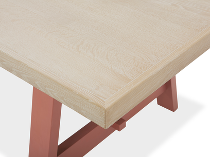 Trestle Kitchen Table in Rust Oak Top Detail