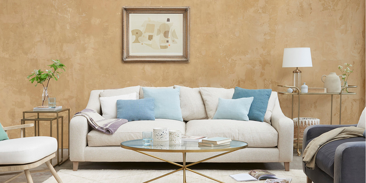 Oscar sofa in Thatch house fabric