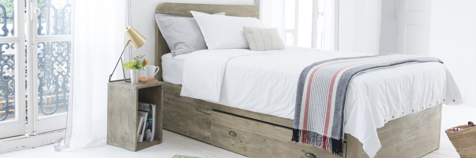 Woody storage bed handmade from reclaimed timber
