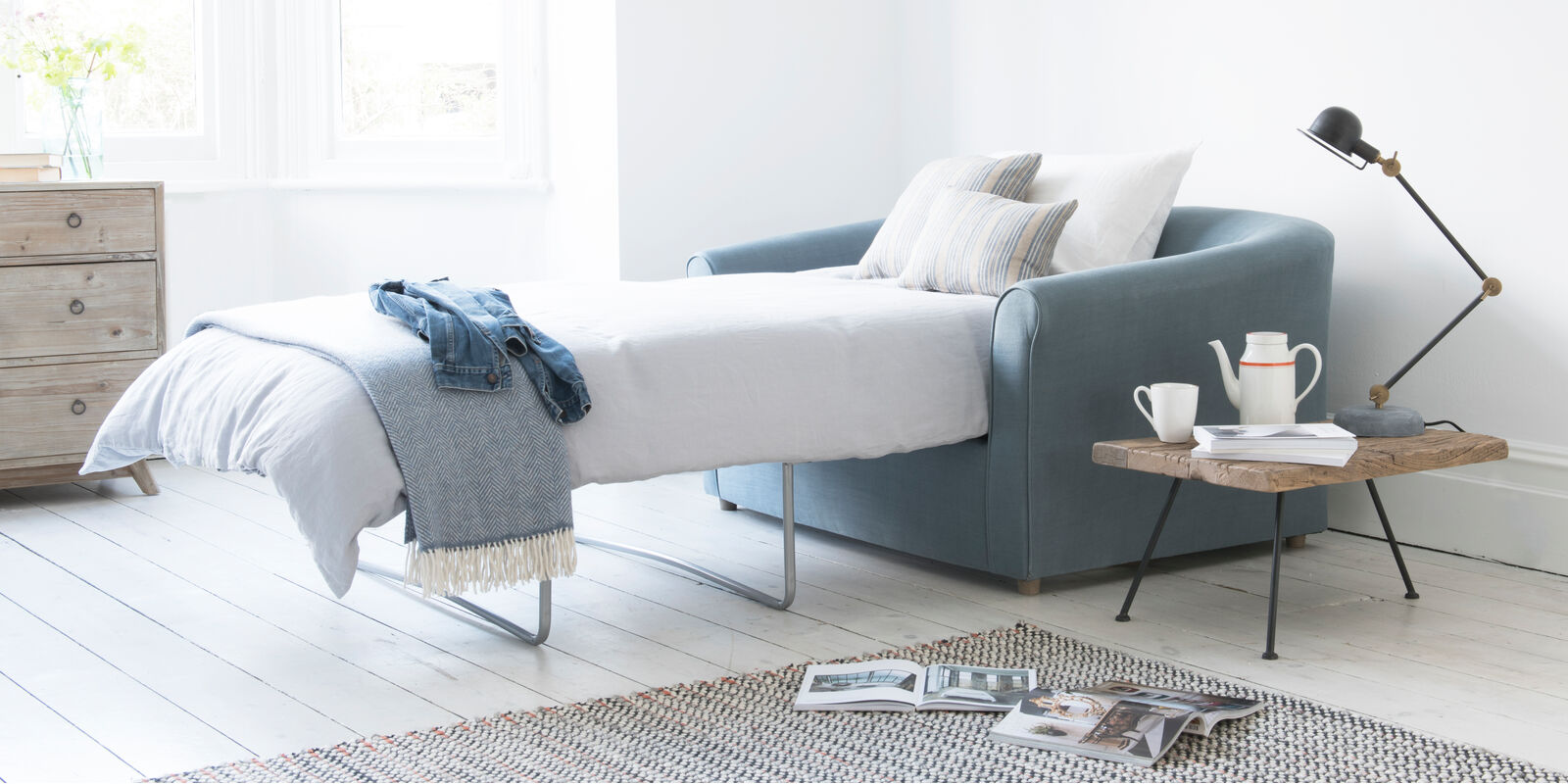 Luxury contemporary British made cute pie double comfy sofa bed