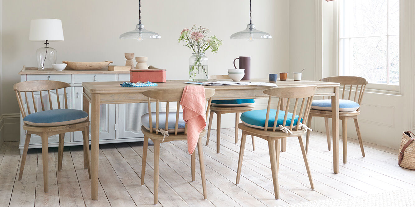 jigsaw parquet oak dining table with chairs