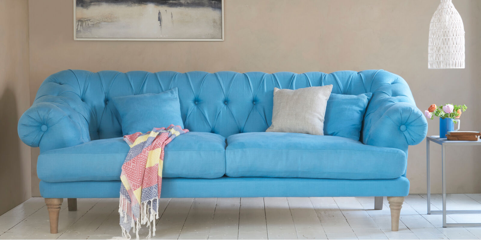 Bagsie high seat sofa with tall legs