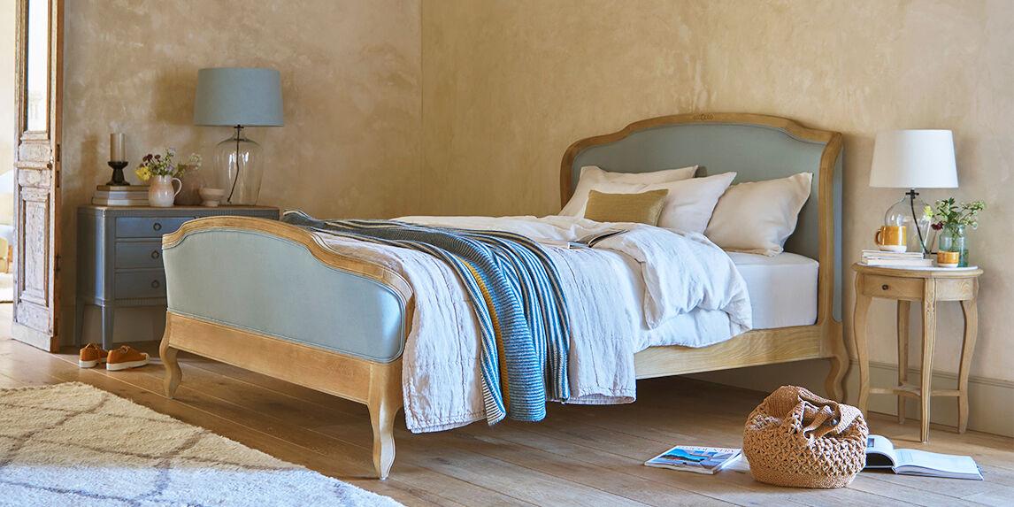 Joelle bed