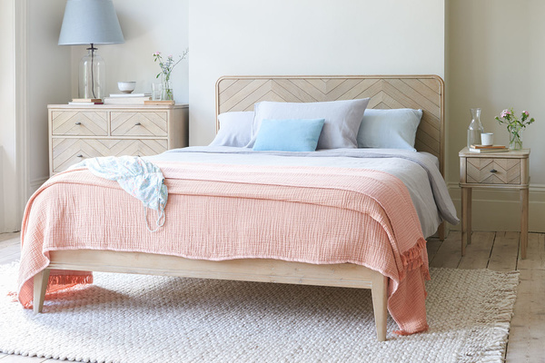 Flapper wooden bed