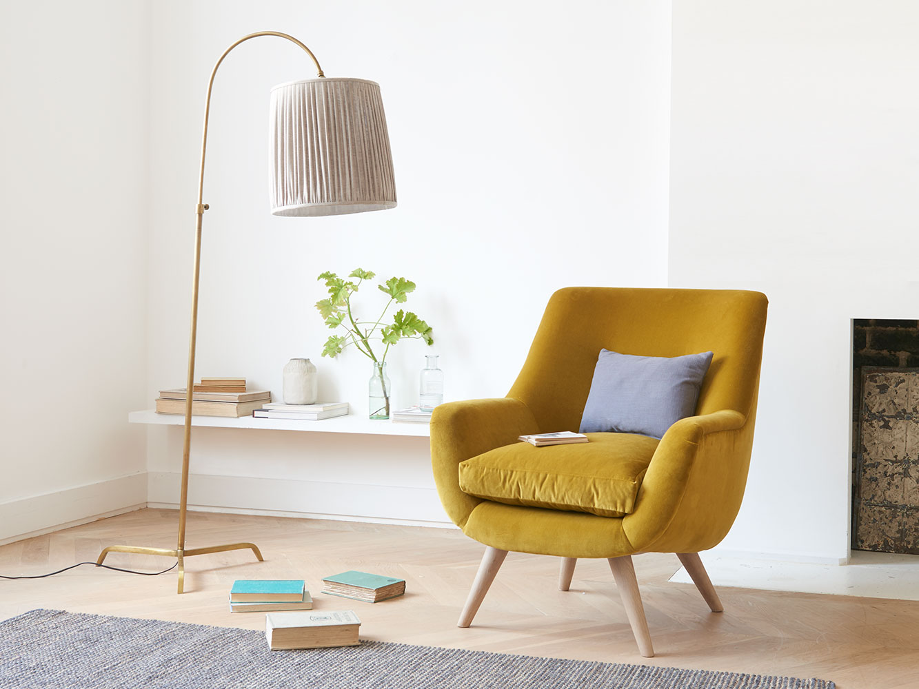 slam dunk tripod curved floor lamp