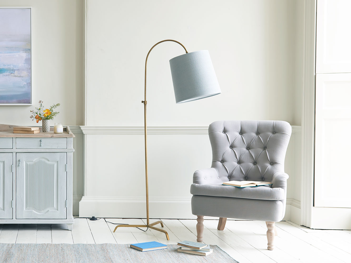 slam dunk tripod curved lamp antique brass finish