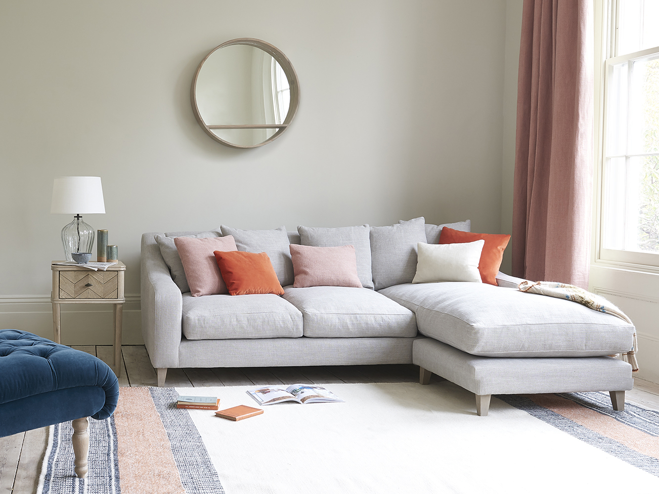 Take a Look at These Beautiful Modern Chaise Sofa Photos ...