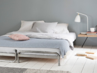 Metal comfy Digs daybed with mattress