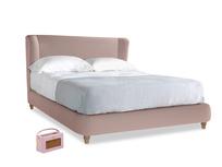 Kingsize Hugger Bed in Rose quartz Clever Deep Velvet