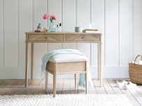 Lippy dressing table small oak stool