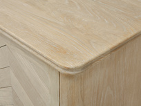 Grand Fandangle oak wood sideboard detail