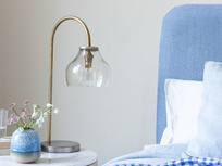 Cowbell glass table lamp