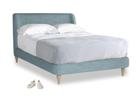 Double Puffball Bed in Soft Blue Clever Laundered Linen