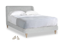Double Puffball Bed in Pebble vintage linen