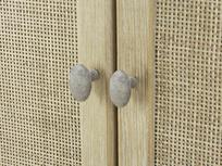 Willow wardrobe handle detail