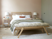 Squishbum wooden bench with Spindle Bed