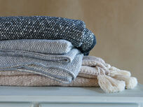 Floppy Knit comfy throws collection