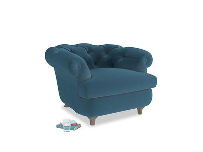 Swaggamuffin Armchair in Old blue Clever Deep Velvet