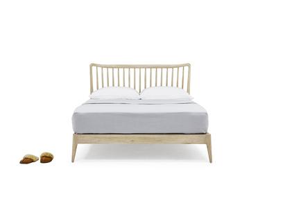 Kingsize Spindle Bed