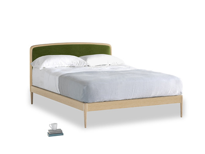 Double Smoothie Bed in Good green Clever Deep Velvet