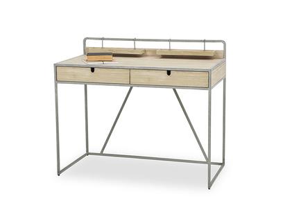 Gubbins desk