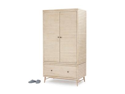 Prime Groover wardrobe