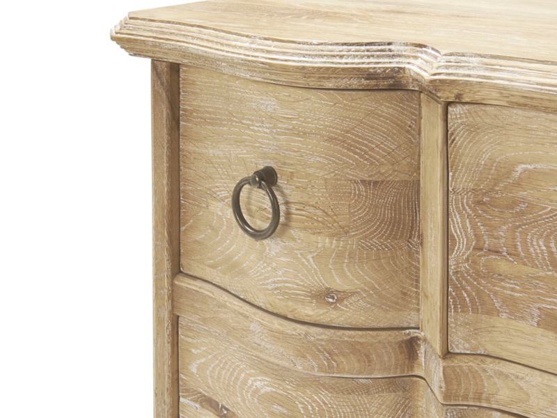 French vintage Otterley chest of drawers in an antique style for the bedroom
