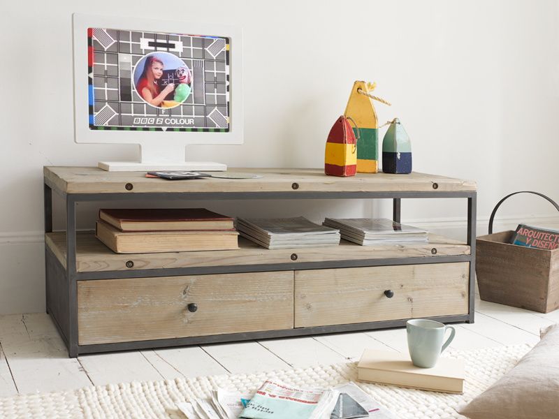 Reclaimed wooden industrial Hercule TV stand