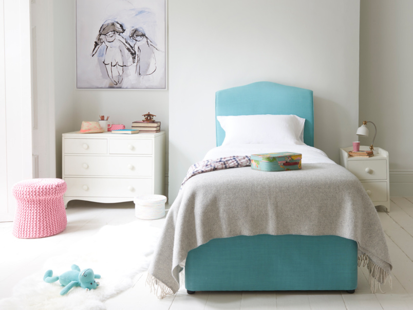 French style upholstered Frenchie bed