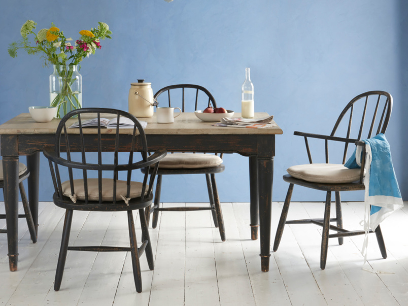 Wooden spindle farmhouse Chuckler dining and kitchen chairs