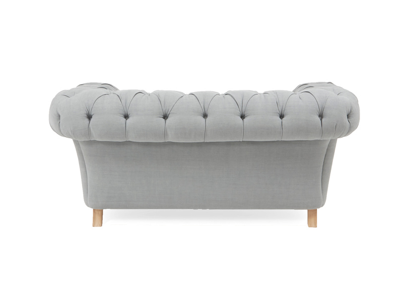 Classic Chesterfield Young Bean love seat