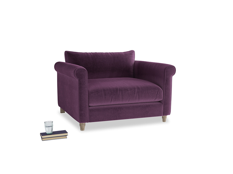 Weekender Love seat in Grape clever velvet