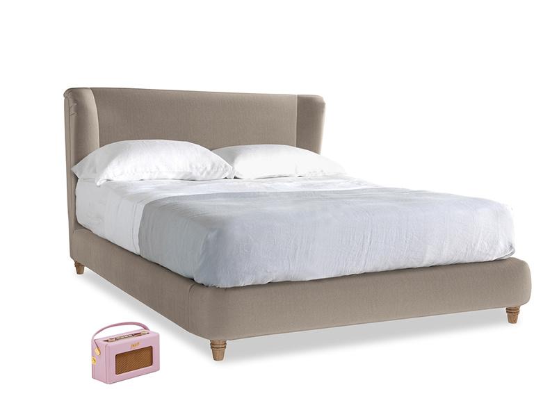 Kingsize Hugger Bed in Fawn clever velvet