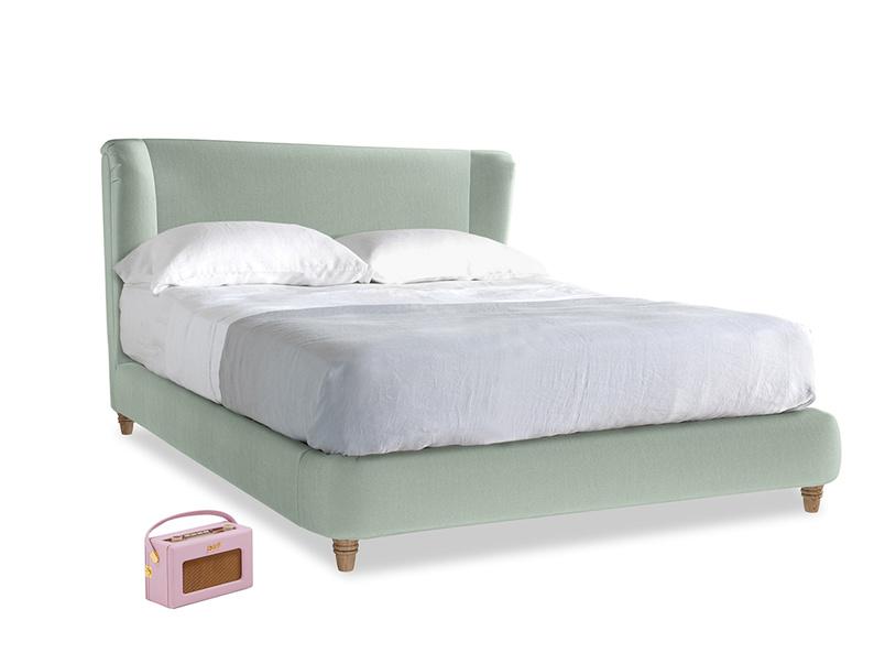 Kingsize Hugger Bed in Mint clever velvet