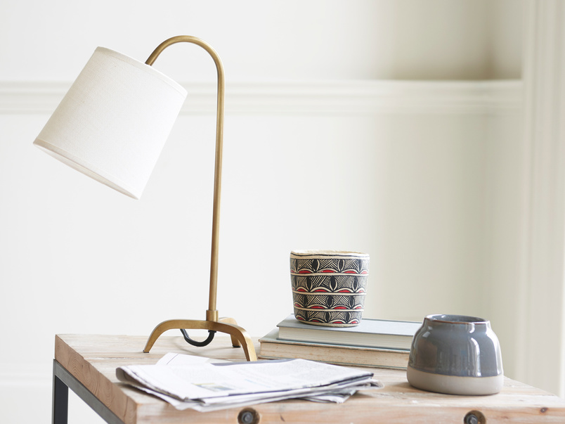 Little Slam Dunk curved table lamp