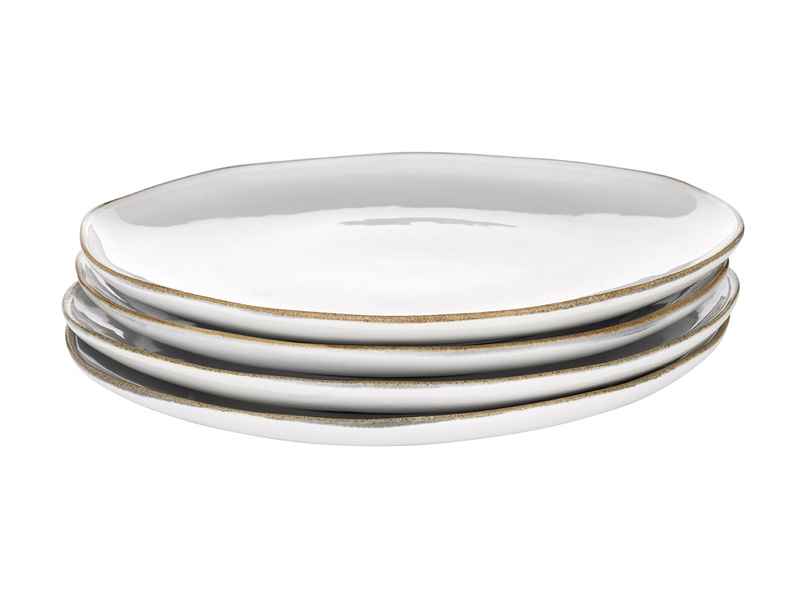 Dinner Wobbler side plates in a crockery set
