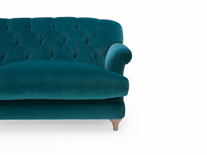 Truffle button back sofa
