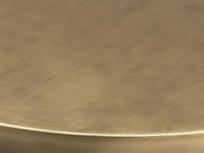 Quid bronze round side table