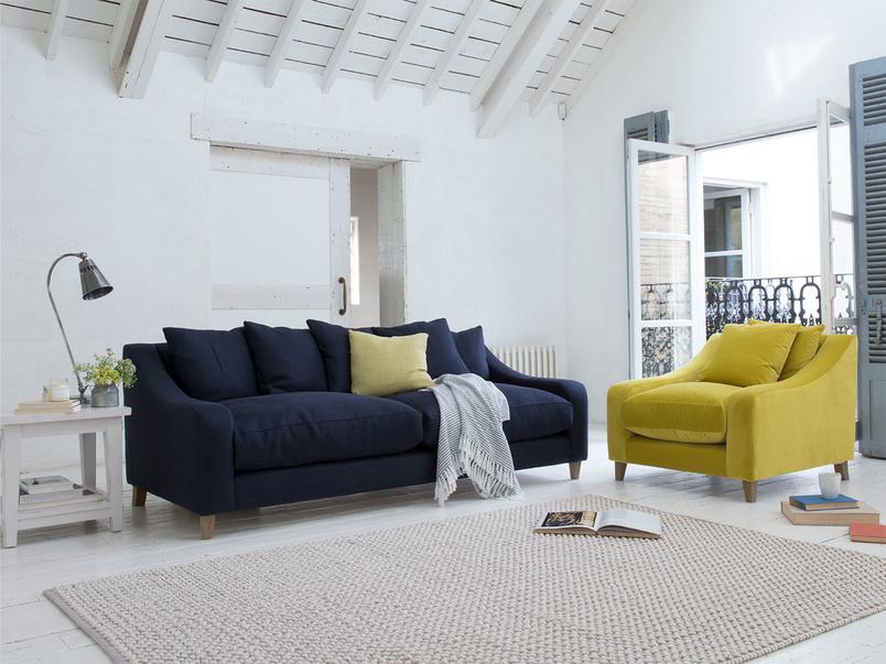Classic style large Oscar luxury sofa
