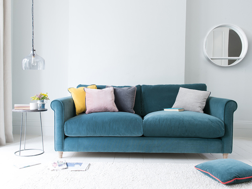 Pipelet feather scatter cushions