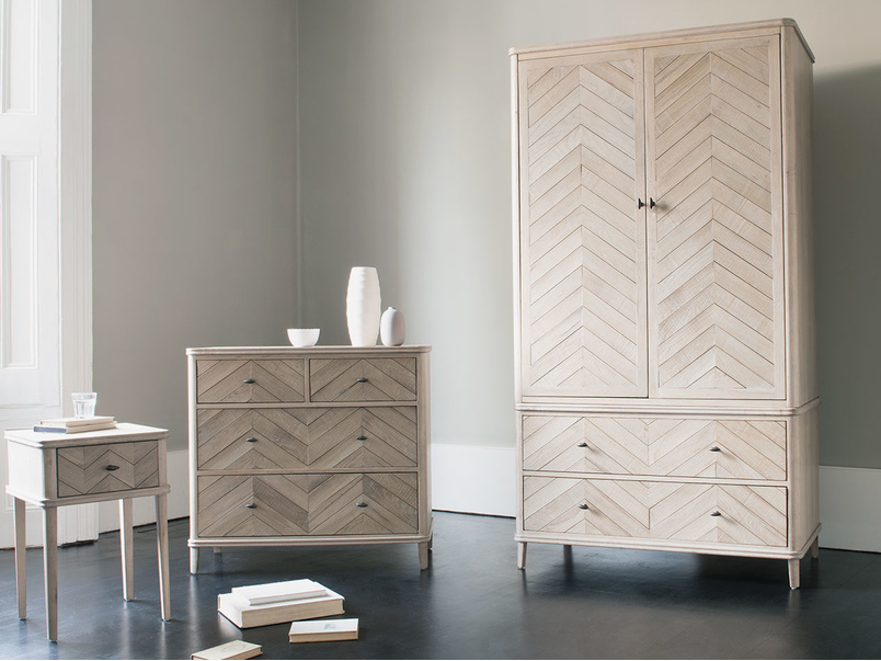 Flapper parquet bedroom furniture