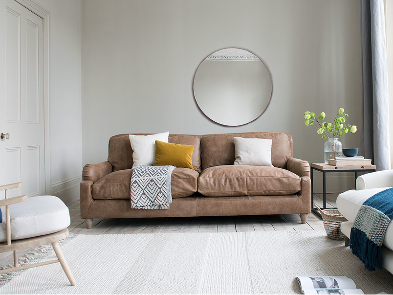 Pavlova studded elegant sofa
