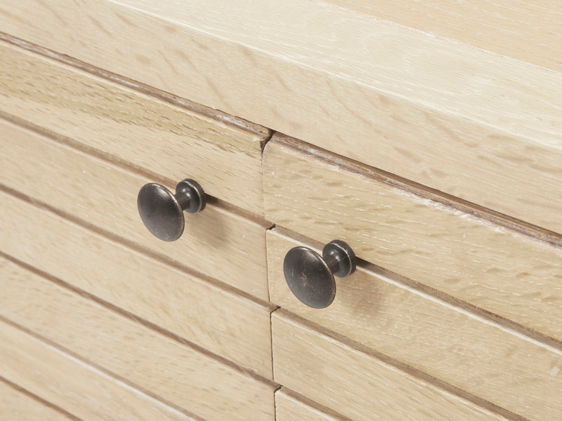 Grand Bubba wooden oak sideboard handle detail