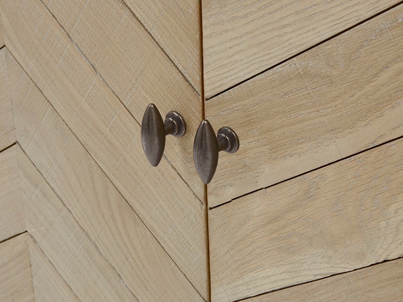 Bootleg oak drinks cabinet handle detail