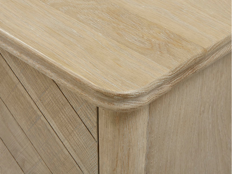 Bootleg drinks cabinet oak wood corner detail