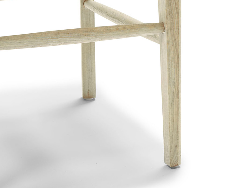 Idler wooden kitchen chair in Natural finish leg detail