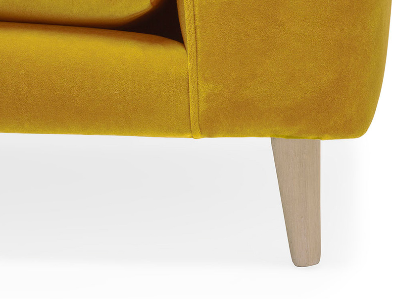 Strudel low arm sofa leg detail