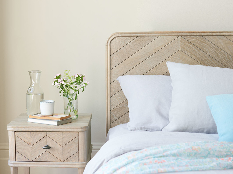 Flapper parquet style wooden bed