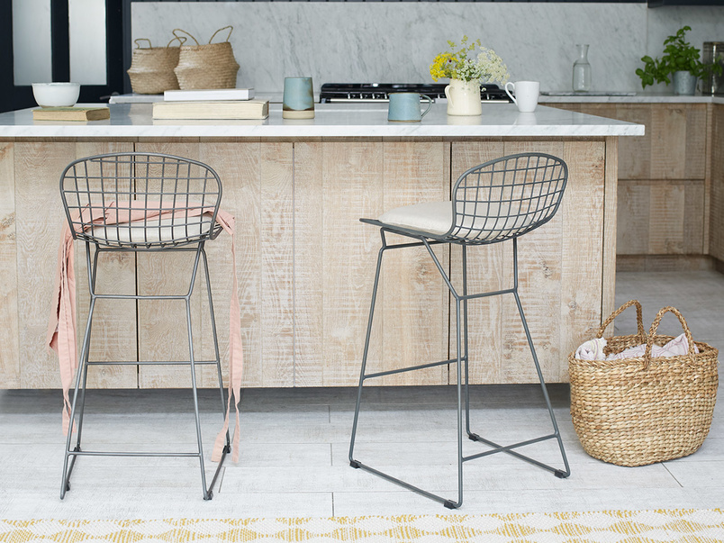 Hamburger bar stools with Linen seat pads